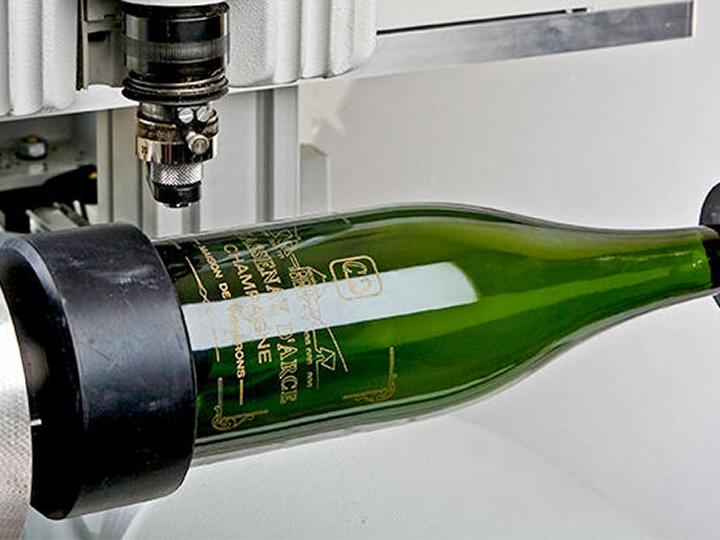 Graveren flessen - personaliseren glazen fles